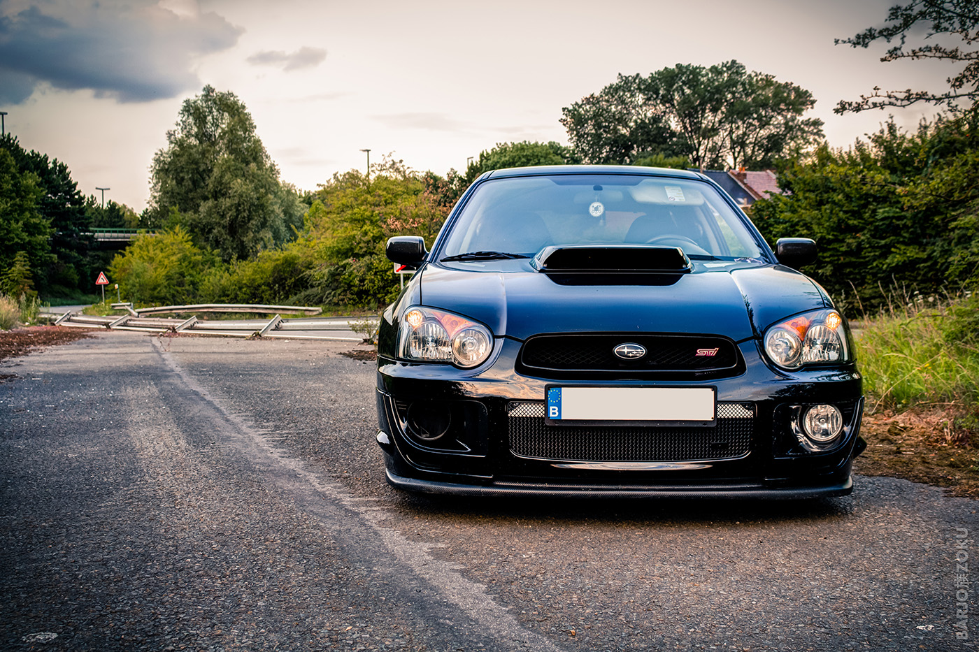 Subaru devant